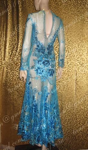 Váy dạ hội xanh ren