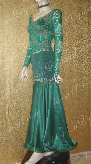 váy khiêu vũ xanh lá cây
